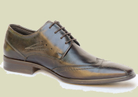 Classic leather men and women shoes manufacturer, the best Italian leather shoes and made in Italy design to produce the Donianna shoes, classic and casual women shoes leather boots manufacturing distributors, leather classic and casual men shoes and a collection of men boots for wholesale shoe distributors in France, Germany, England, USA, Canada, China, Saudi Arabia, Mexico, Latin America... and the most important shoemaker market business to business industry